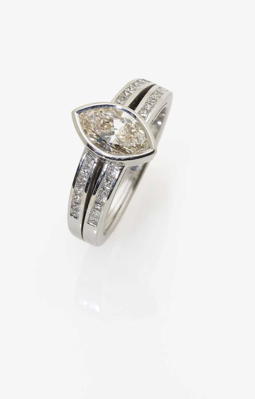 Classic modern Marquis ring set with diamonds in Navette and Princess Cut. Italy, Valenza, 2000s, ALBERTI GIOIELLI - photo 1