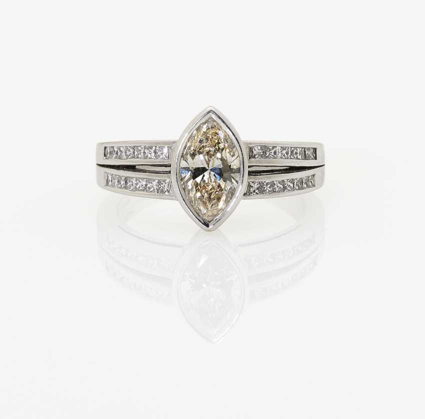 Classic modern Marquis ring set with diamonds in Navette and Princess Cut. Italy, Valenza, 2000s, ALBERTI GIOIELLI - photo 2