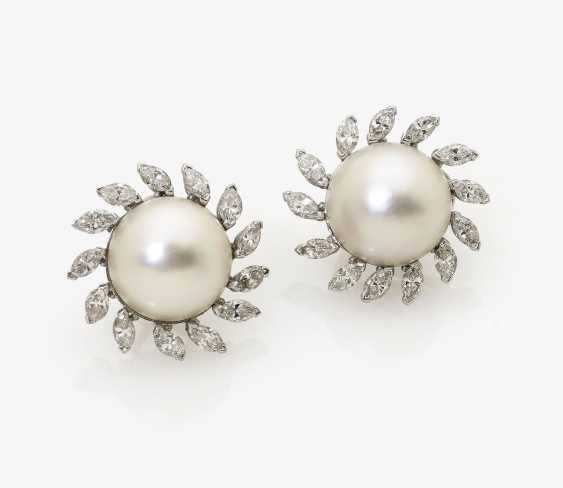 A Few Ohrstifte/clips with diamonds and Mabé cultured pearls. USA, 1970s - photo 1