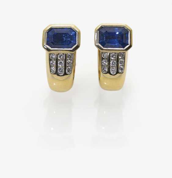 A Pair of stud earrings with Ceylon sapphires and diamonds. Germany, 1980s-1990s - photo 1