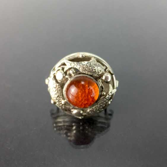 Ladies ring with amber, silver 835, three loaded fish, by hand, around 1930, very nice. - photo 1