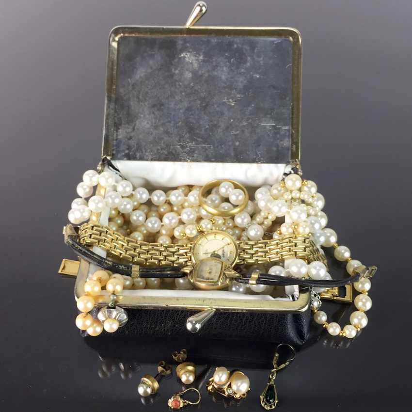 Jewelry box with three pearl necklaces, pearl earrings, cuffs, schlager-earrings-Gold-Double, hit watch-Gold-Double, ... - photo 1