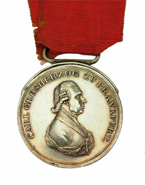 Francfort: Médaille d'honneur du grand-Duc Carl Theodor von Dalberg, en l'Honneur de la Médaille, en Argent, 2. Type. - photo 1