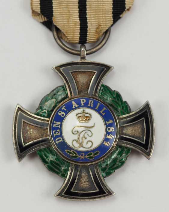 Hohenzollern: Fürstlich Hohenzollernscher Hausorden, 1. Modèle, La Croix D'Honneur 3. Classe. - photo 3