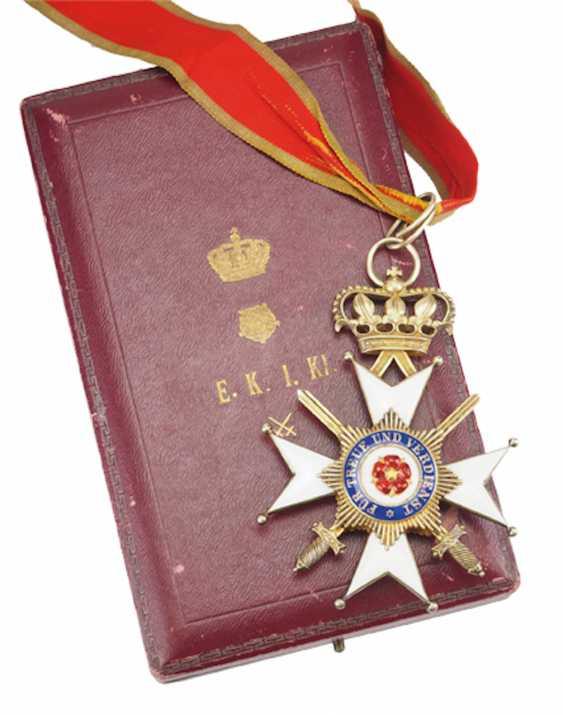 Lippe-Detmold: Fürstlich Lippischer Hausorden, 2. Modèle (1890-1918), La Croix D'Honneur 1. Classe avec Épées, dans un Étui. - photo 1