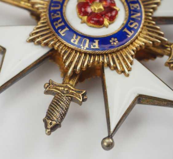 Lippe-Detmold: Fürstlich Lippischer Hausorden, 2. Modèle (1890-1918), La Croix D'Honneur 1. Classe avec Épées, dans un Étui. - photo 2