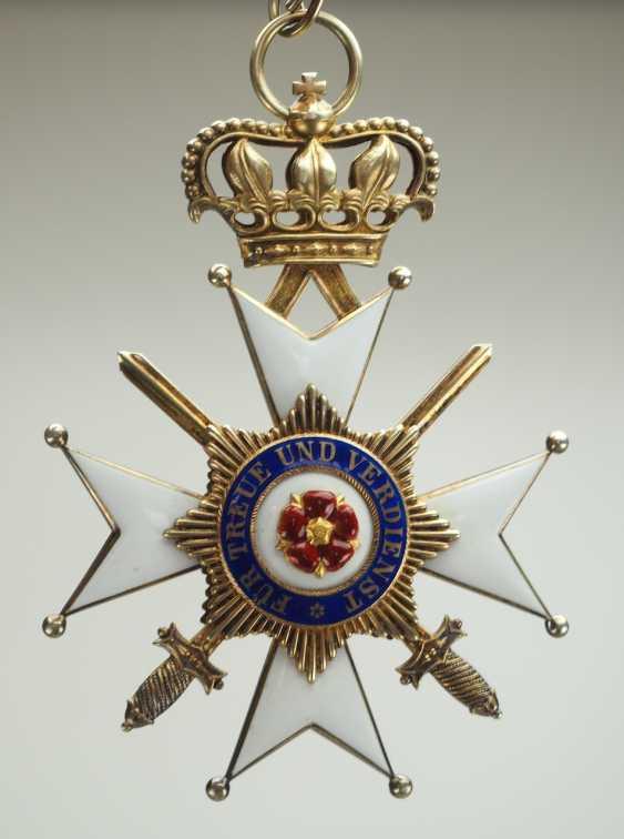 Lippe-Detmold: Fürstlich Lippischer Hausorden, 2. Modèle (1890-1918), La Croix D'Honneur 1. Classe avec Épées, dans un Étui. - photo 3