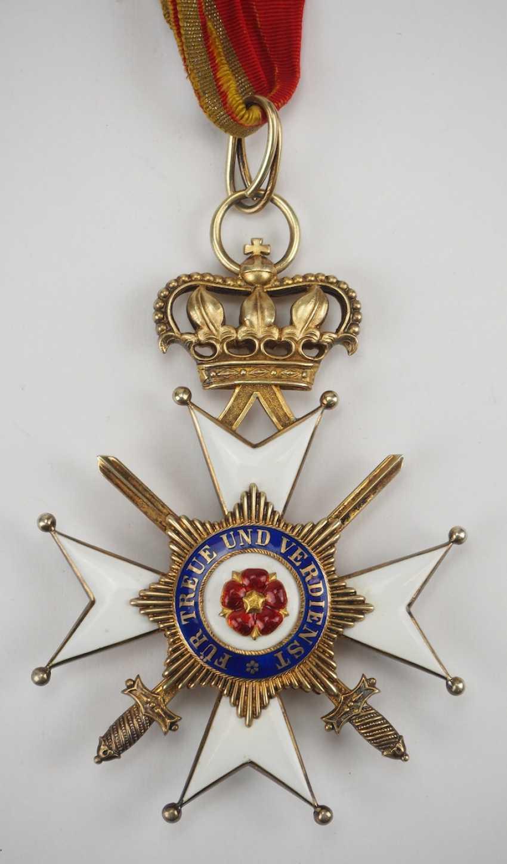 Lippe-Detmold: Fürstlich Lippischer Hausorden, 2. Modèle (1890-1918), La Croix D'Honneur 1. Classe avec Épées, dans un Étui. - photo 4