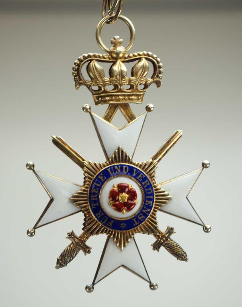 Lippe-Detmold: Fürstlich Lippischer Hausorden, 2. Modèle (1890-1918), La Croix D'Honneur 1. Classe avec Épées, dans un Étui. - photo 7