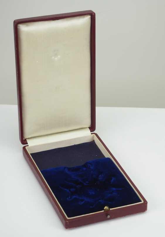 Lippe-Detmold: Fürstlich Lippischer Hausorden, 2. Modèle (1890-1918), La Croix D'Honneur 1. Classe avec Épées, dans un Étui. - photo 10