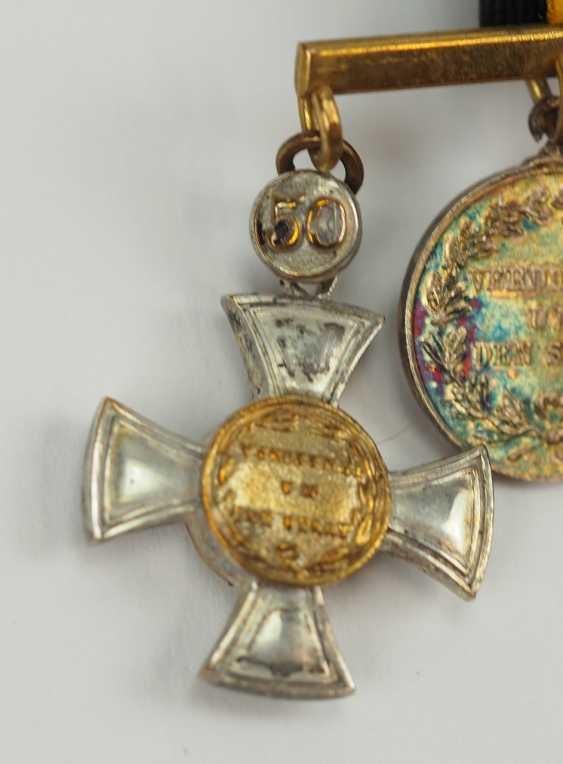 Prusse: Miniaturenbarett avec 7 Récompenses d'un langgedienten Fonctionnaires de l'état. - photo 2