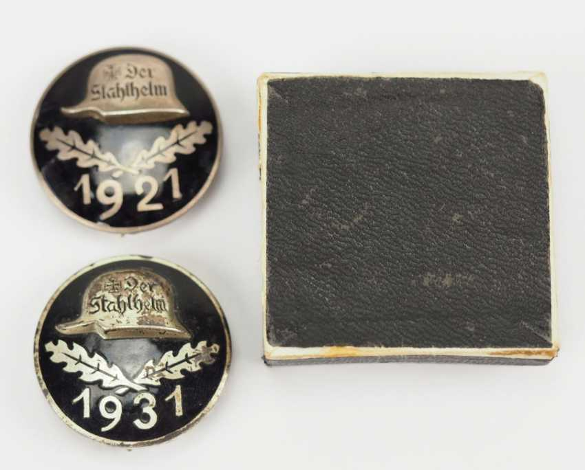 Veterans Association: Lot of 2 stahhelm Federal admission badge. - photo 1
