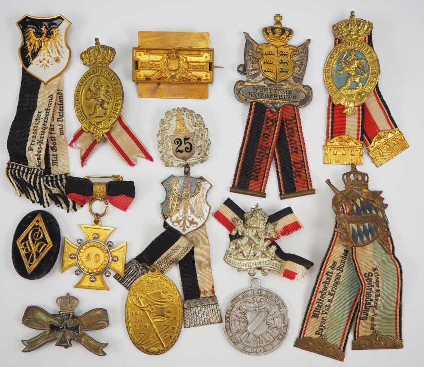 Veterans Association: Lot Of Badges. - photo 1