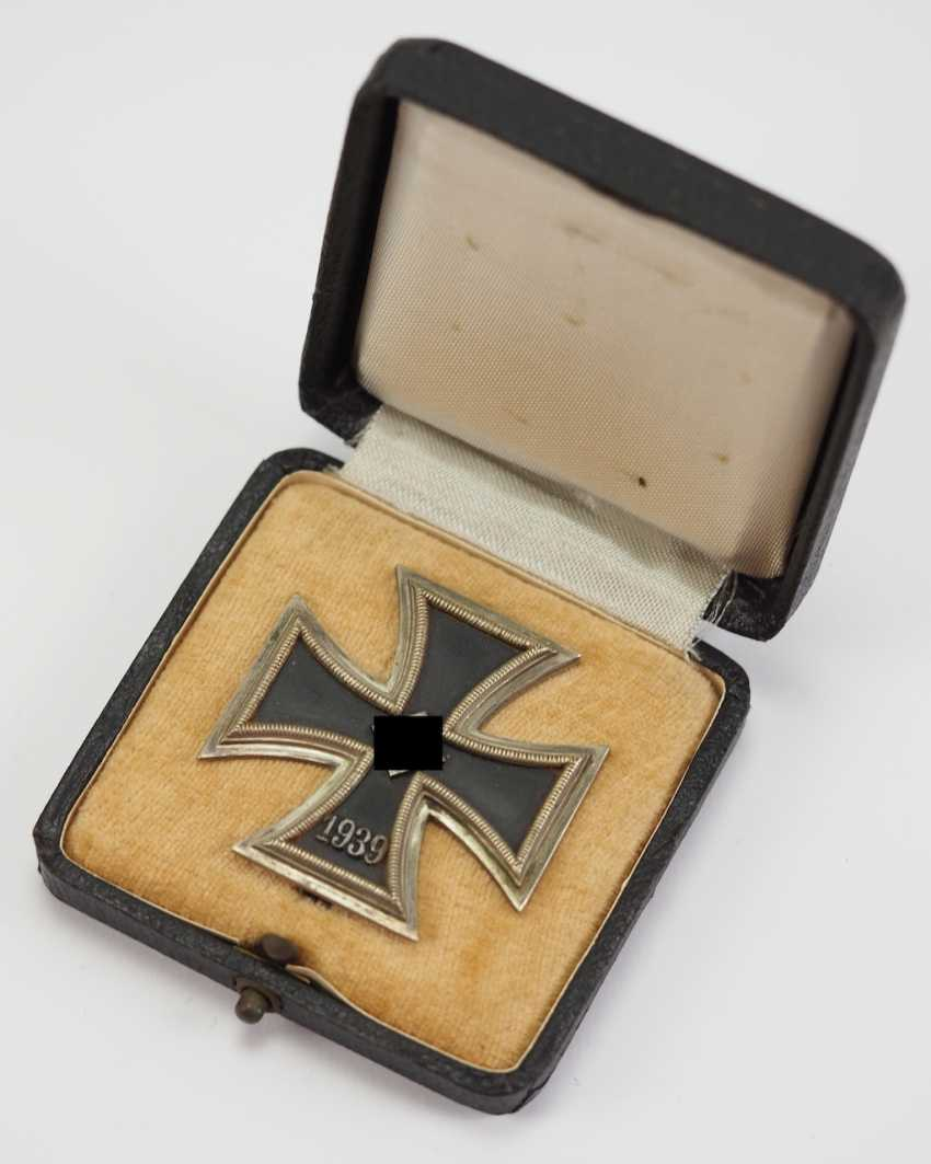 Iron Cross, 1939, 1. Class, in a case in round 3. - photo 1