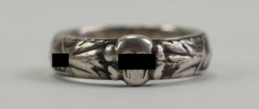 "SS death's head ring of the SS-senior leader, Johann-Georg Goebel - commander of the SS-Gebirgs-artillery-Regiment 6, 6. SS-gebirgs-Division ""Nord"" and winner of the German cross in Gold. - photo 1"