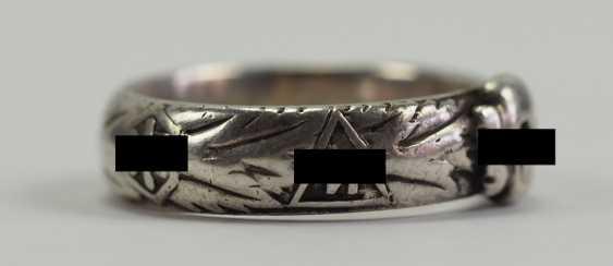 "SS death's head ring of the SS-senior leader, Johann-Georg Goebel - commander of the SS-Gebirgs-artillery-Regiment 6, 6. SS-gebirgs-Division ""Nord"" and winner of the German cross in Gold. - photo 3"