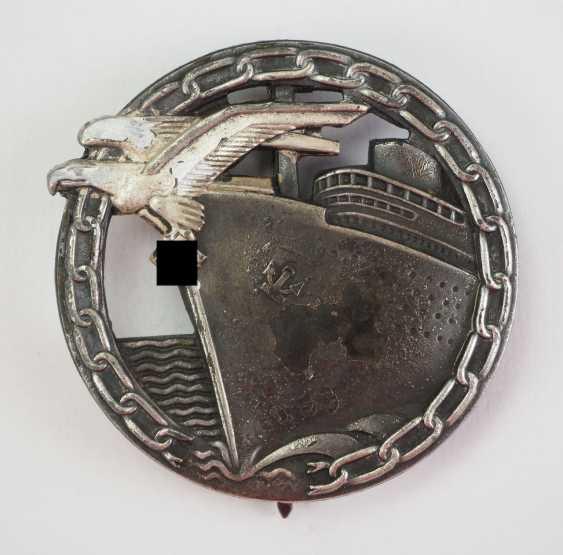 Blockade Runner War Badge. - photo 1