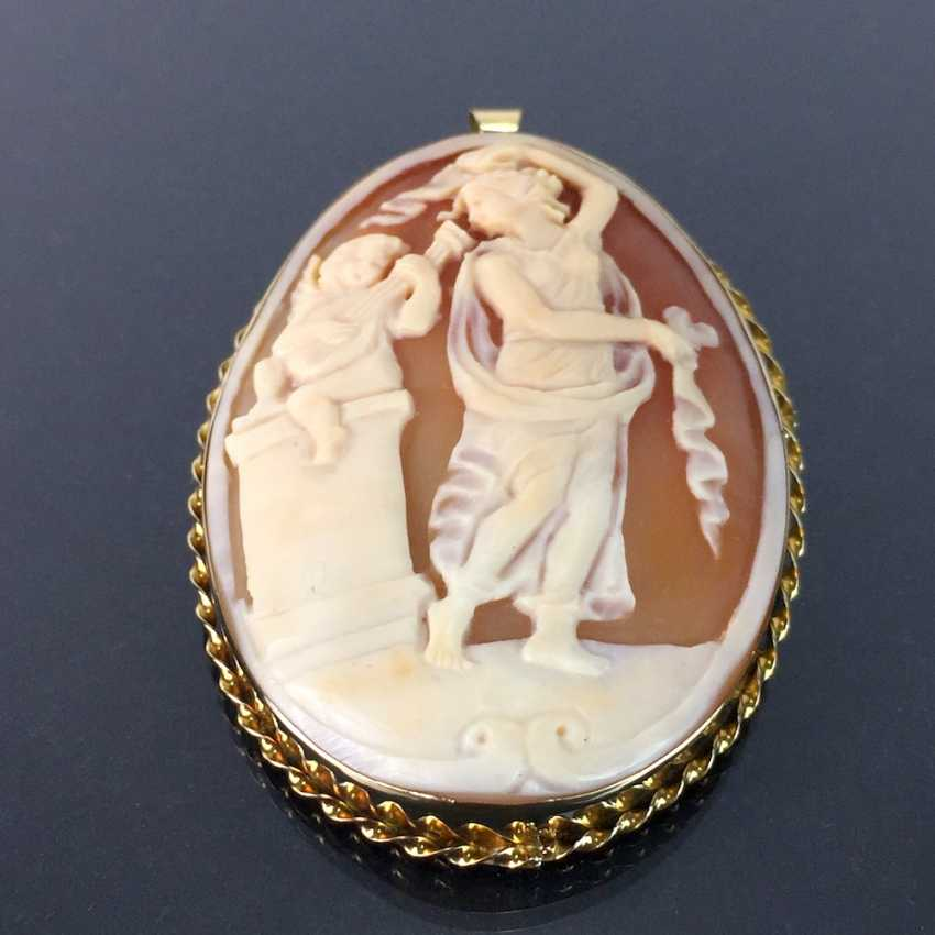 Respectable Kamée brooch / pendant with circumcised and carved shell length: yellow gold 585, very good condition. - photo 2