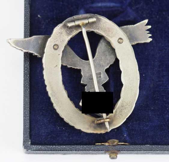 Pilot badge, in a case - Juncker. - photo 2