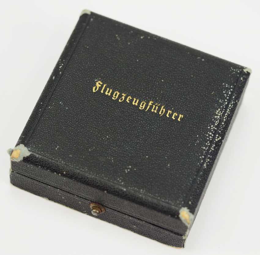 Pilot badge, in a case - Juncker. - photo 4