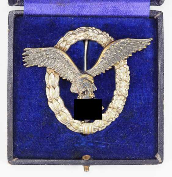 Pilot badge, in a case - Juncker. - photo 1