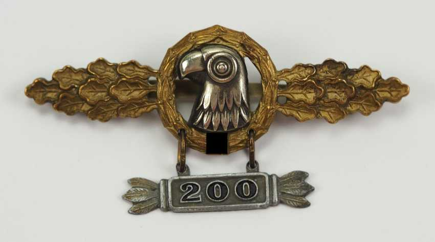 """Frontline flying clasp for spotters, Gold, with pendant """"200"""". - photo 1"""