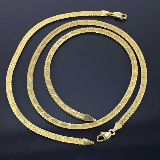Elegantes SchmuckseTiefe: Collier und Armband, hochwertige Arbeit, Gelbgold 333, mattierte und verzierte Oberfläche. - photo 2