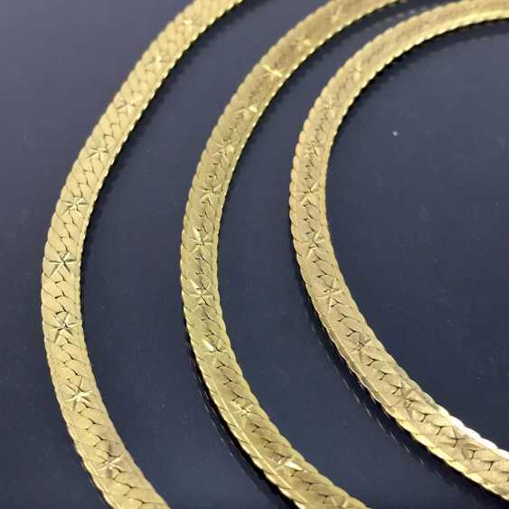 Elegantes SchmuckseTiefe: Collier und Armband, hochwertige Arbeit, Gelbgold 333, mattierte und verzierte Oberfläche. - photo 4