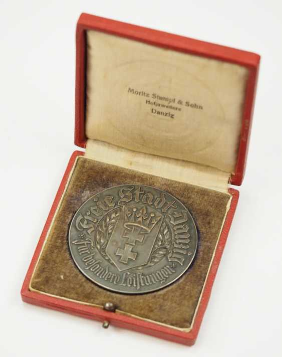 Free city of Danzig: medal for special achievements, in a case. - photo 1