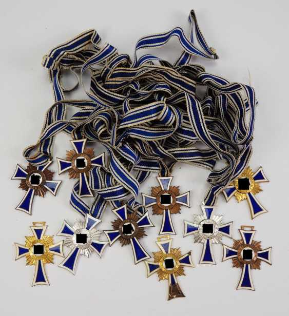 Lot of 10 crosses of Honor of the German mother, 1.-3. Level. - photo 1