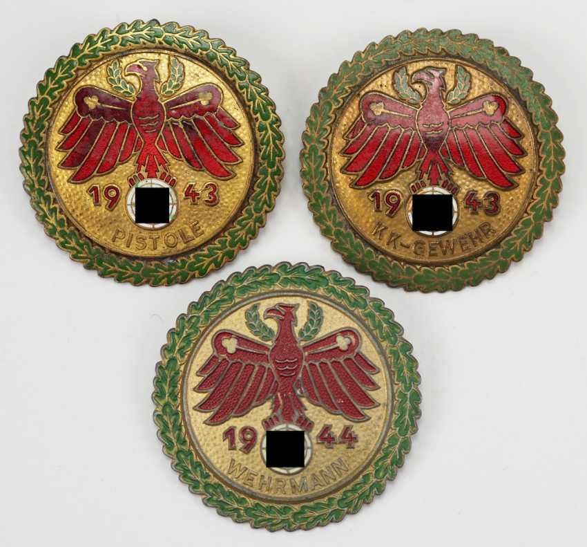State Association Of Tirol Protect-Vorarlberg: 3 Badges To Protect. - photo 1