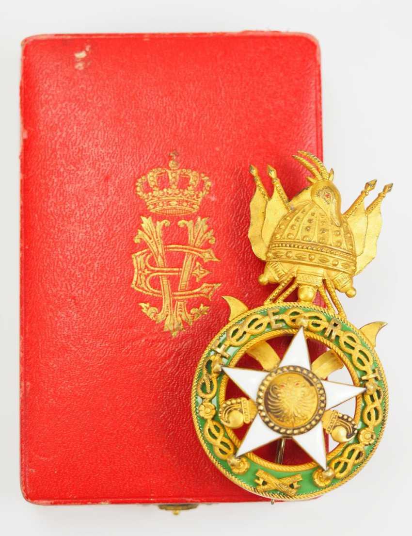 Albania: Skanderbeg Order, 1st Model (1925-1939), officer's decoration, in a case. - photo 1