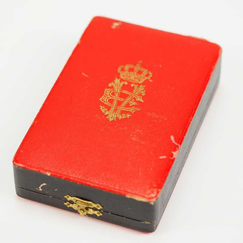 Albania: Skanderbeg Order, 1st Model (1925-1939), officer's decoration, in a case. - photo 6