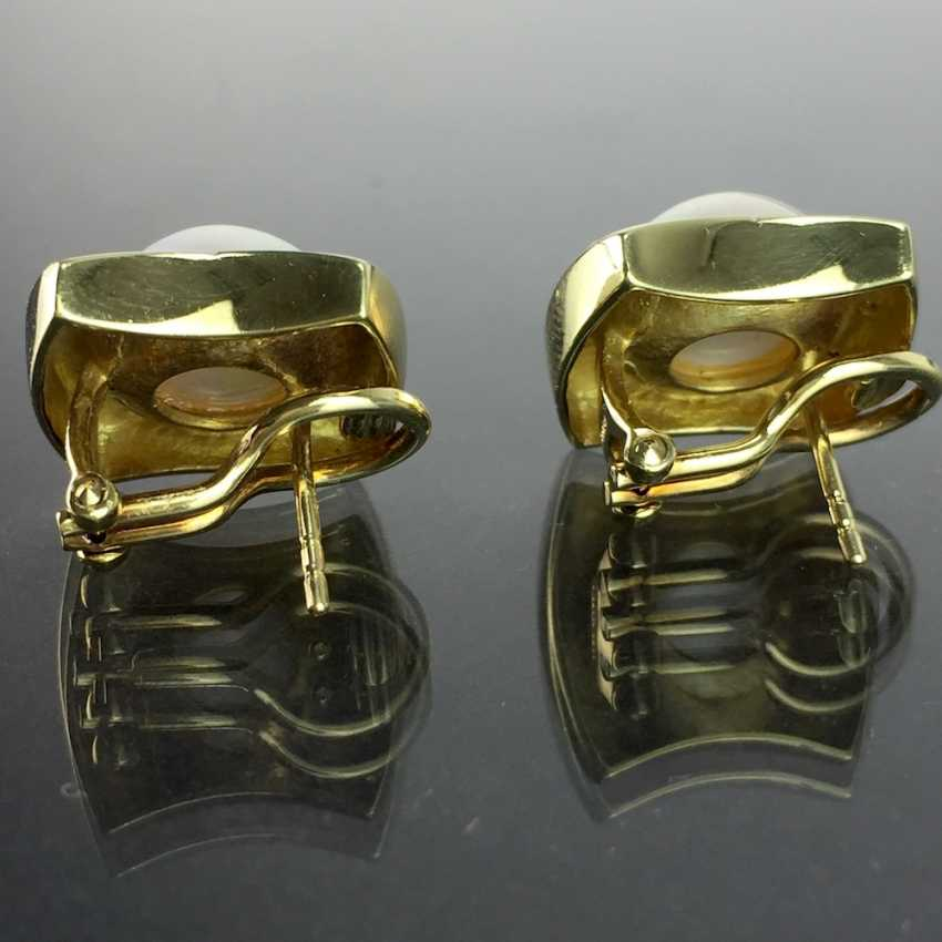 Exceptional Mabeperl-Brillant-earrings: Yellow Gold 585, Top Wesselton, two Mabeperlen, custom-made item, very good - photo 4