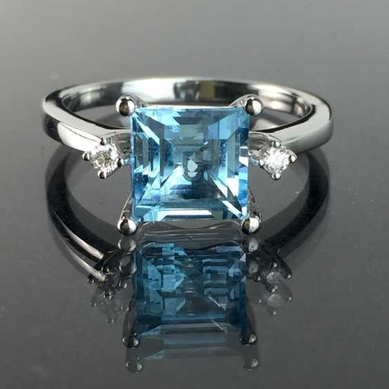 Ladies ring with a large bright Topaz and brilliant-cut diamonds: white gold 585 rhodium-plated, very good. - photo 1