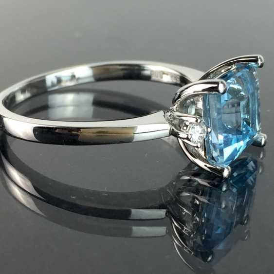 Ladies ring with a large bright Topaz and brilliant-cut diamonds: white gold 585 rhodium-plated, very good. - photo 2