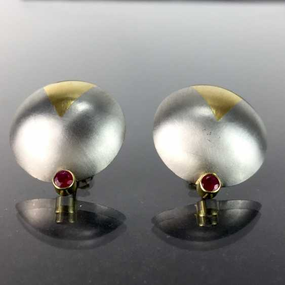 High profile platinum stud earrings with yellow gold item 750, as well as two rubies, one of a kind worked very well. - photo 1