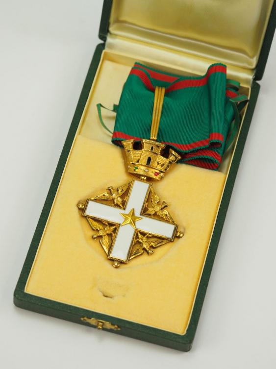 недавно, кресты и медали итальянской республики фото сообщество специализируется