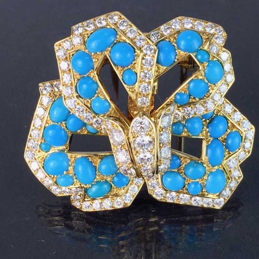 Cartier: a Sensational brooch with over 100 brilliant-cut diamonds, 35 turquoise, in yellow gold 750. Custom-made single stylized flower. - photo 1