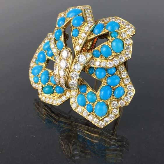 Cartier: a Sensational brooch with over 100 brilliant-cut diamonds, 35 turquoise, in yellow gold 750. Custom-made single stylized flower. - photo 3