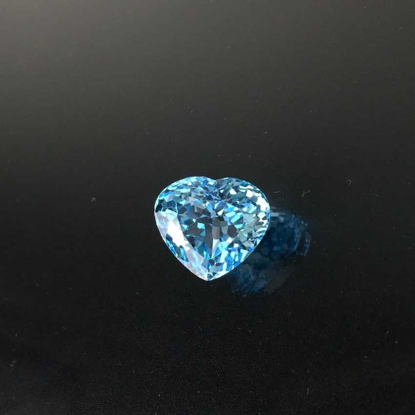 Large Topaz heart faceted shaped, 15,8 carat, very good. - photo 1