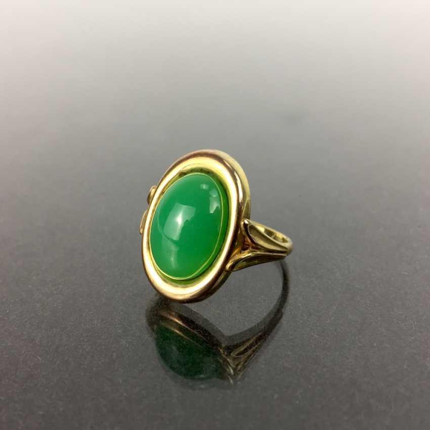 Ladies Ring: Yellow Gold 333, Chrysoprase. - photo 1