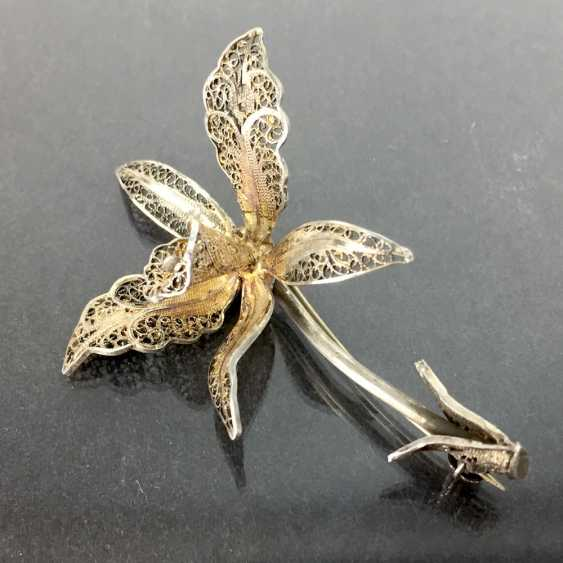 Filigree-flower-brooch: a silver, intricately worked, hand-work very well. - photo 1