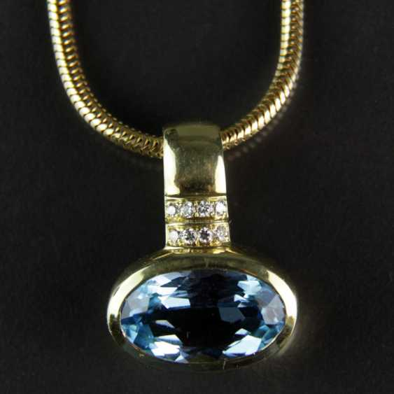 Exclusive Topaz and diamond pendant on snake chain, yellow gold 585 - photo 1