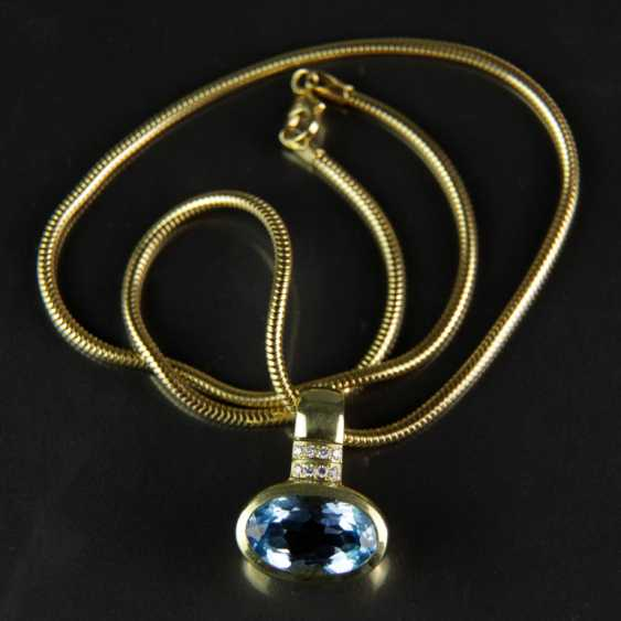 Exclusive Topaz and diamond pendant on snake chain, yellow gold 585 - photo 3