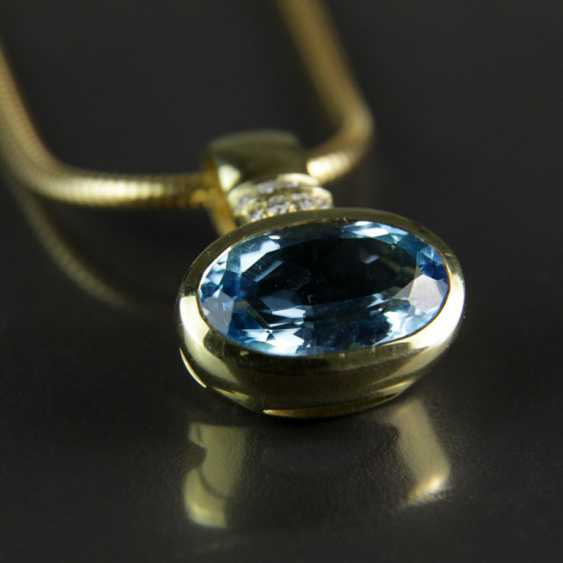Exclusive Topaz and diamond pendant on snake chain, yellow gold 585 - photo 4