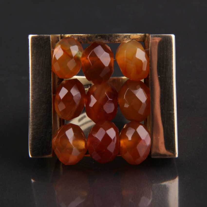 Exceptional hand work Ring with three carnelian yellow gold 333 series, - photo 4