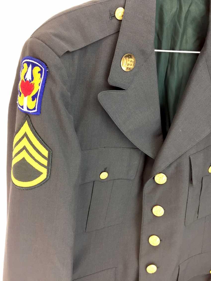 Unformjacke der US Army / US Armee: Staff-Sergeant / Unteroffizier, grünes festes Tuch, goldene Knöpfe, 20. Jahrhundert, sehr gut - photo 2