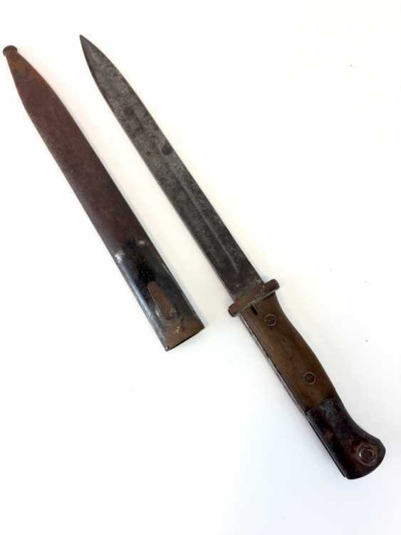 Bayonet / German side gun (SG) 84/98 new style (n. A.), fire protection, sheet metal, screwed wooden grips. - photo 1