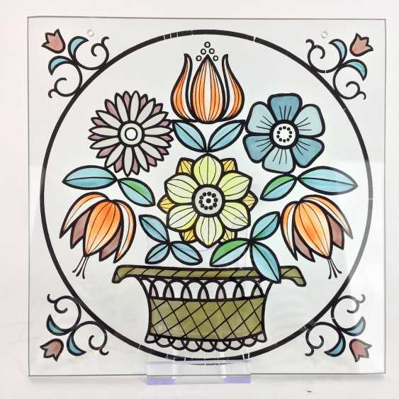Window image / zierbild diameter: - glass equipped-colored with a large flower basket, 20. Century, very good. - photo 1